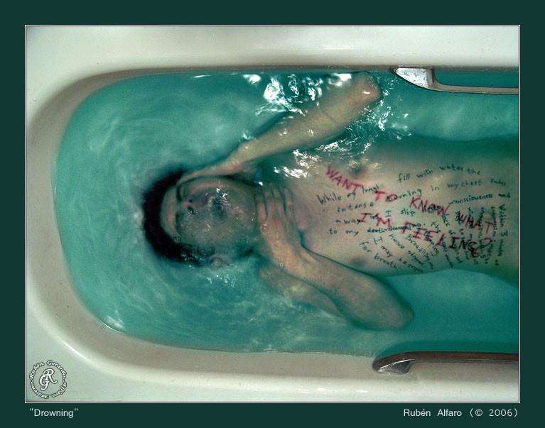Drowning02
